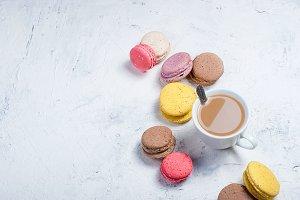 Cup coffe and macaruns