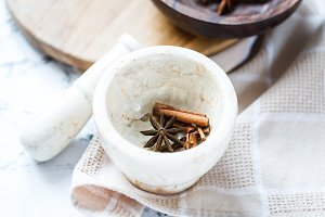 spices: cinnamon and star anise