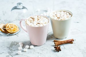 cocoa with marshmallows and cinnamon