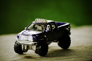 Miniature of off-road car