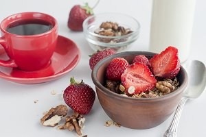 Granola with strawberry