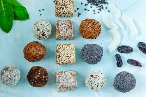 Healthy raw energy balls