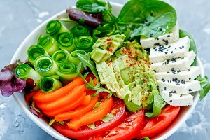 salad with tofu and vegetables