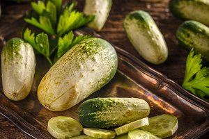 Fresh organic cucumbersg