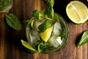 mojito cocktail with rum