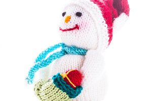 Knitted snowman