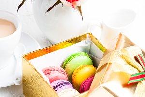macaroon in gift box
