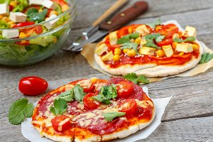 pizzas (meat and vegan)
