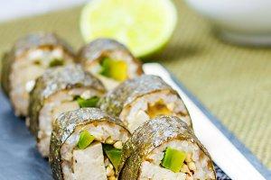 sushi rolls with tofu