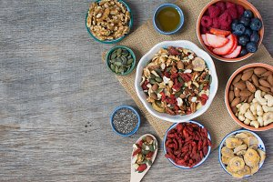 Paleo style breakfast cereals