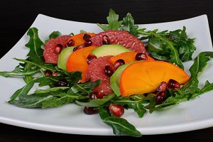 Salad with avocado, grapefruit