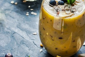 Citrus smoothies and blueberries