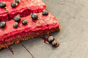 Raw chocolate berry cake