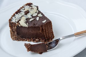 Chocolate raw vegan cake