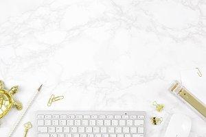 White gold marble desktop mockup