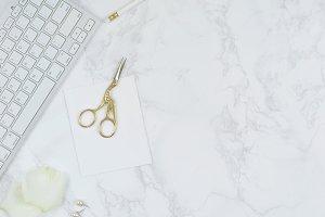 White marble roses gold desk photo