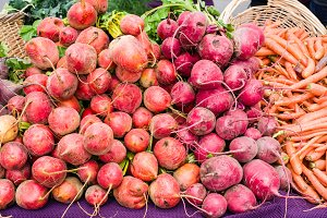Red and orange beets at the market