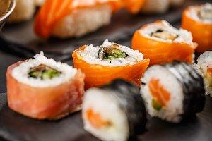 Sushi set rolls