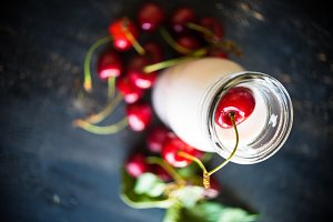 Yogurt with cherries