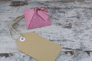 Gift box and tag