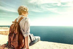 Admire the sea