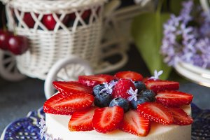 Vanilla mousse cake with berries