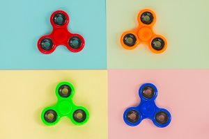 fidget spinner, popular relaxing toy, generic design