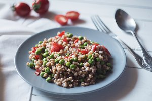 Farro salad / healthy food