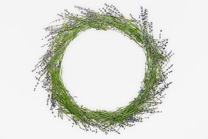 A wreath of lavender