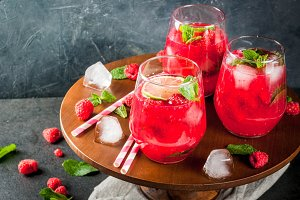 Raspberry mojito lemonade