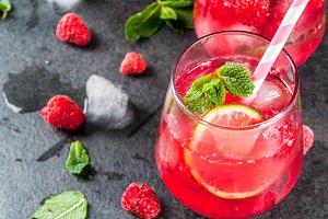 Raspberry mojito lemonade