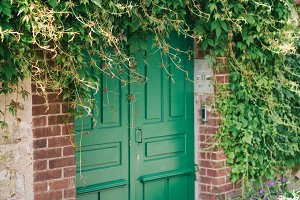 Green Door in France