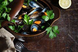 Pot of gourmet mussels