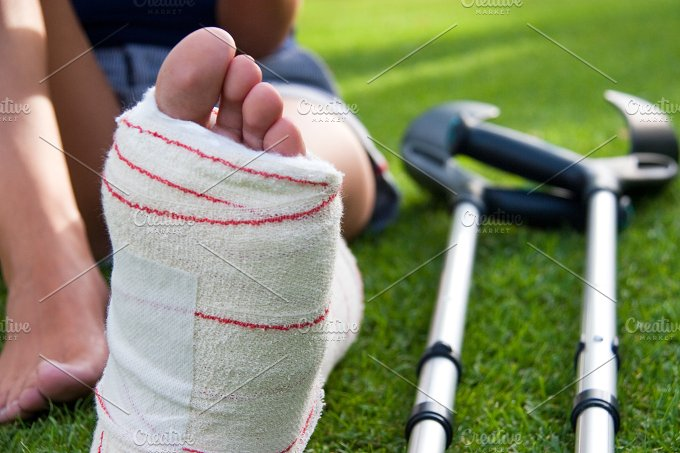 leg in plaster and crutches-1.jpg - Health