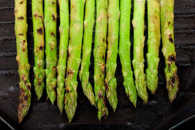 asparagus on a grill.jpg - Food & Drink