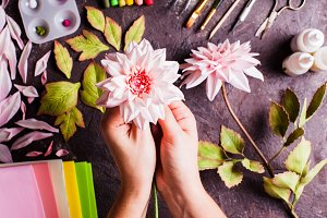 DIY making realistic flowers