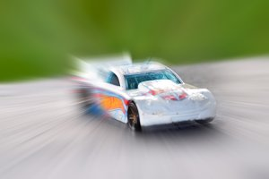 Miniatur Car in Action 1