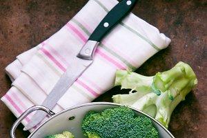 Broccoli in a white Colander