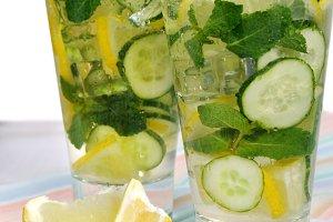 Cucumber non-alcoholic mojito