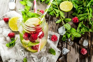 Infused water with raspberry