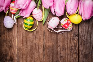 Tulips and eggs border