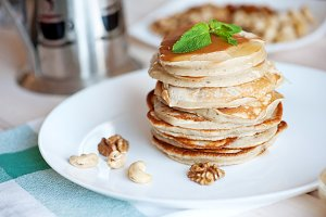 Pancake with honey or maple syrup
