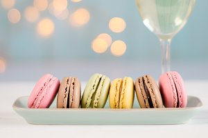 Macarons with white wine
