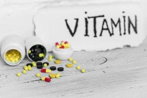different colour pills vitamins