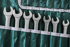 Wrench set key in the case