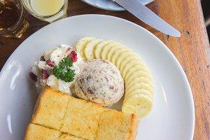 ice cream honey toast banana dessert
