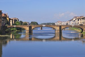 Ponte santa trinita, Firenze, Italy