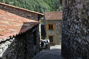 rustic and old houses