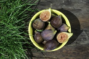 Figs in yellow bowl