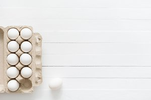 White eggs in box